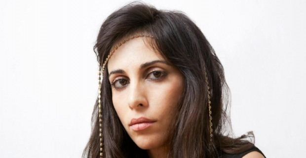 Yasmine Hamdan Akbank Caz