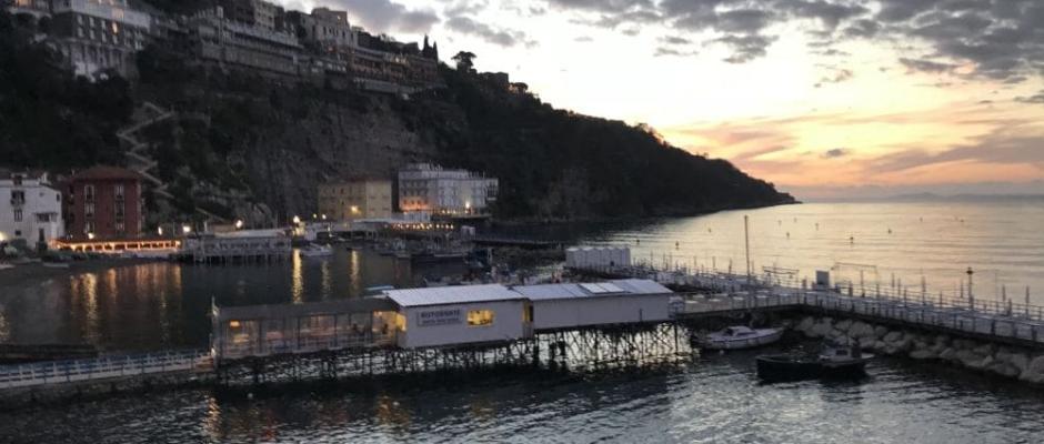 Napoli-Pompeii-Sorrento-Capri