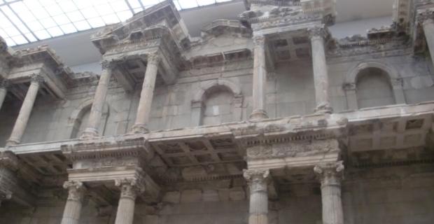 Pergamon Museum, September 2010